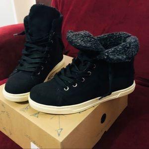 indigo rd. Black bootie/shoe